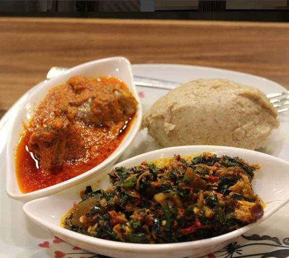 #WakeUpNigeria: Homemade Poundo Oat with Vegetable Sauce
