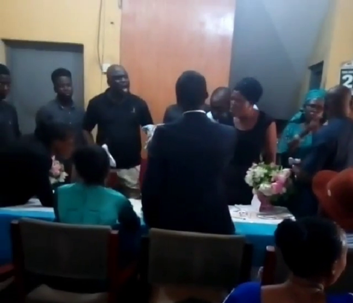 Bride Refuses To Kiss Her Groom During Their Court Marriage In Lagos
