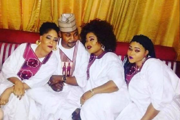 MC Oluomo Celebrates His 3 Wives On Val's Day, Promise Not To Make Them Cry