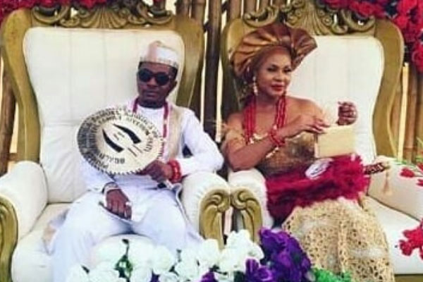 Nollywood actor, Sam Ajibola and bride, Adanna weds traditionally in Anambra state.