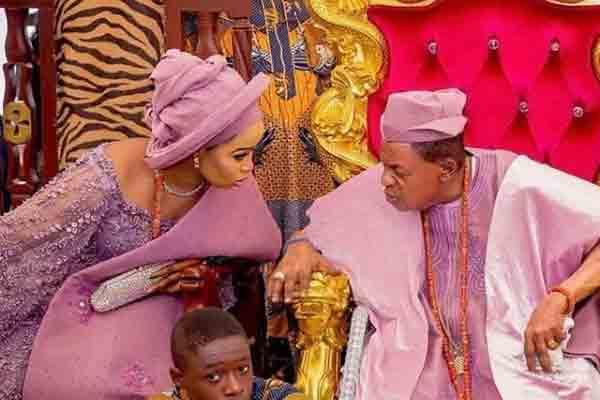Queen Ajoke shares a beautiful photo from the palace