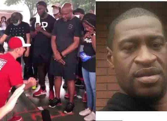 white folks kneel to beg blacks for forgiveness over racism